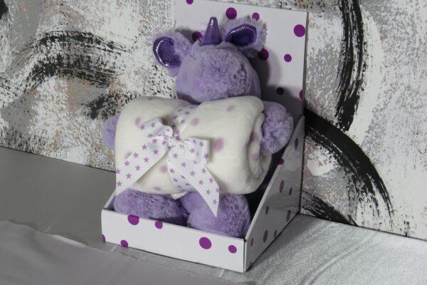 Plüsch Einhorn mit Fleecedecke, lila in Geschenkpackung 1