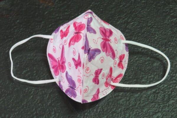 1x KN95 KINDER Maske, Design: pink/lila Schmetterling, 5-Lagig 3