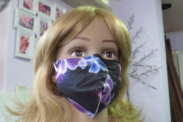 1x KN95 KINDER Maske, Design: schwarz/lila Schmetterling, 5-Lagig 1